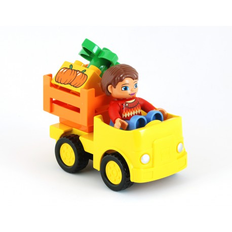 Nákladní auto pick-up s řidičkou a nákladem zeleniny - ze setu LEGO Duplo 10810