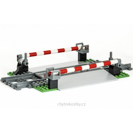 Dlouhé železniční závory s ovládací pákou a široký přejezd - speciální model z originálních dílů LEGO, Custom MOC 056